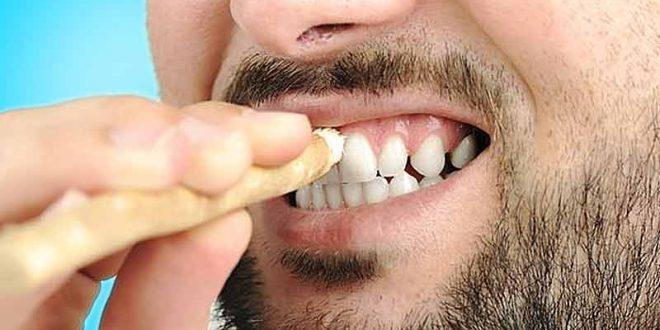فوائد السواك للأسنان